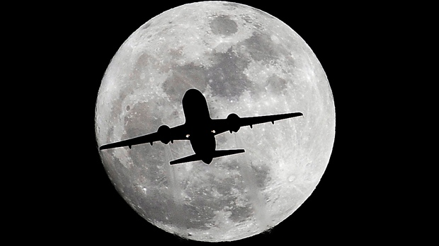 Japanese man to be 1st private moon flight passenger