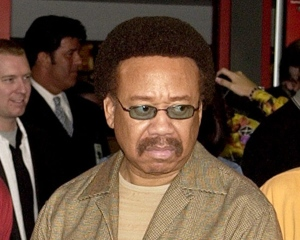In this July 7, 2003 file photo, Maurice White, of Earth, Wind, & Fire, appears at an induction ceremony at the Hollywood Rock Walk in the Hollywood section of Los Angeles. (AP Photo/Matt Sayles)