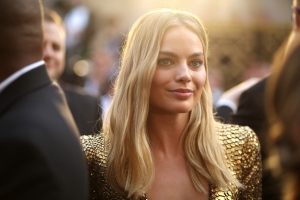 Margot Robbie arrives at the Oscars on Sunday, Feb. 28, 2016, at the Dolby Theatre in Los Angeles. (Photo by Matt Sayles/Invision/AP)