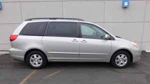 Police are searching for a vehicle similar to this one wanted in connection with a parental abduction in Aurora.