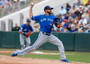 Toronto Blue Jays relief pitcher Ryan Tepera works against the Minnesota Twins in the first inning of a spring training baseball game on March 30, 2016, in Fort Myers, Fla. (Tony Gutierrez / The Canadian Press)