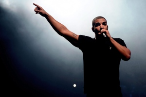 Canadian singer Drake performs at the Wireless festival in Finsbury Park, in London, June 27, 2015. (The Canadian Press/AP/Photo by Jonathan Short)