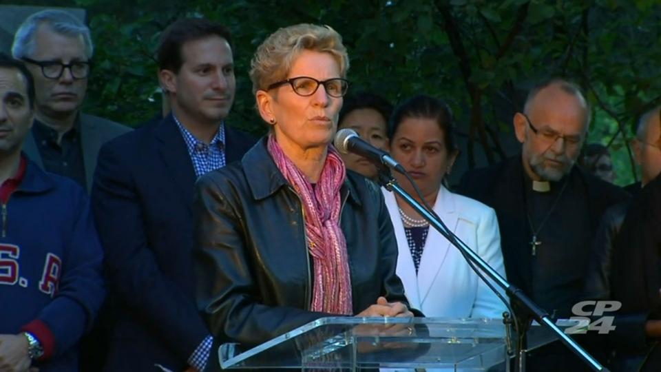 Toronto vigil pays tribute to victims of Orlando shooting ...