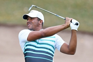 Jhonattan Vegas, of Venezuela, watches his approach shot on the 18th hole during the final round at the Canadian open golf tournament at Glen Abbey in Oakville, Ontario, on Sunday, July 24, 2016. THE CANADIAN PRESS/Frank Gunn