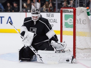 Los Angeles Kings goalie Jhonas Enroth makes a save against the Buffalo Sabres during the first period of an NHL hockey game Saturday, Feb. 27, 2016, in Los Angeles. (The Canadian Press/AP Photo/Danny Moloshok)