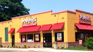 A Mississippi attorney is suing Popeyes after he says he choked when he had to eat a piece of friend chicken with his hands because a knife wasn't included in his drive-thru order. (Mike Mozart / Flickr)