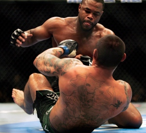 Rashad Evans fights Thiago Silva during UFC 108 at the MGM Grand Garden Arena in Las Vegas on Saturday, Jan. 2, 2010.  (AP Photo/Las Vegas Review Journal, Jason Bean)