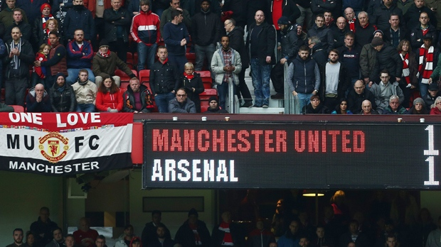 EPL - Arsenal hold Manchester United for a 1-1 draw