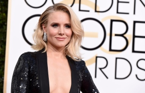 Kristen Bell arrives at the 74th annual Golden Globe Awards at the Beverly Hilton Hotel on Sunday, Jan. 8, 2017, in Beverly Hills, Calif. (Photo by Jordan Strauss/Invision/AP)