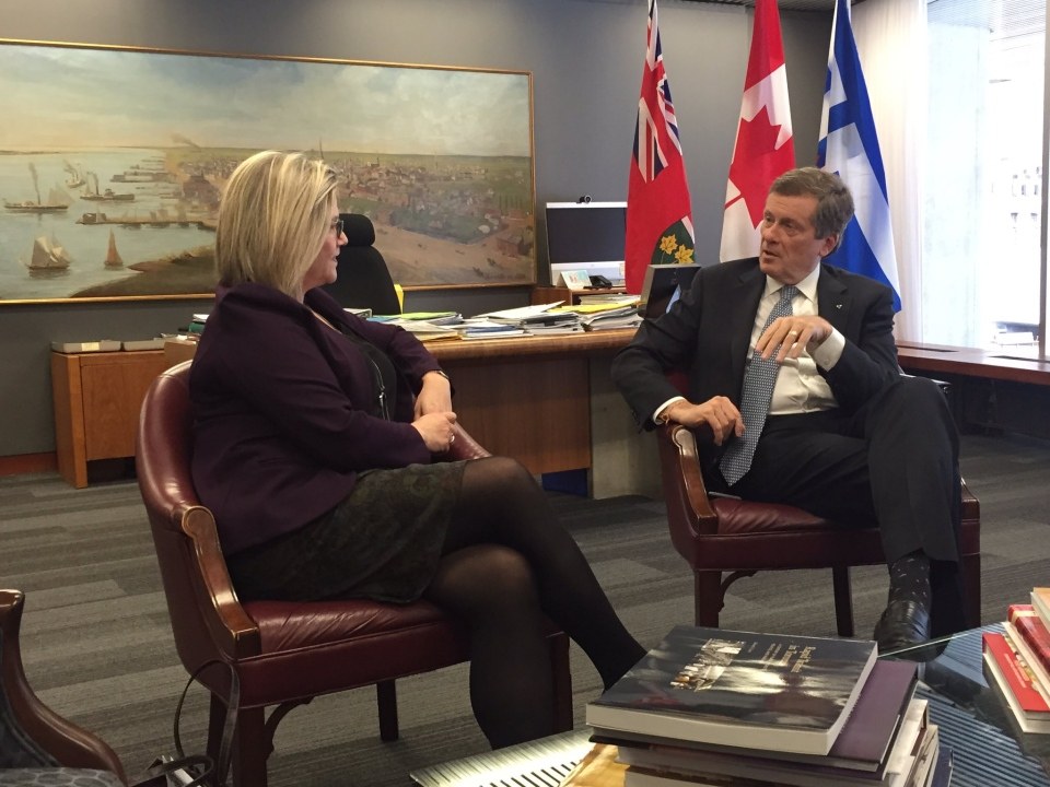 Mayor Tory meets with NDP Leader Andrea Horwath at city hall on Thursday. (Twitter/@JohnTory)