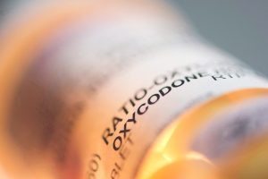 Prescription pill bottle containing oxycodone and acetaminophen is shown on June 20, 2012. Young children whose mothers have been prescribed an opioid are at an increased risk of being hospitalized for an overdose from the potent pain medications, most often through accidental ingestion, a study has found. THE CANADIAN PRESS/Graeme Roy