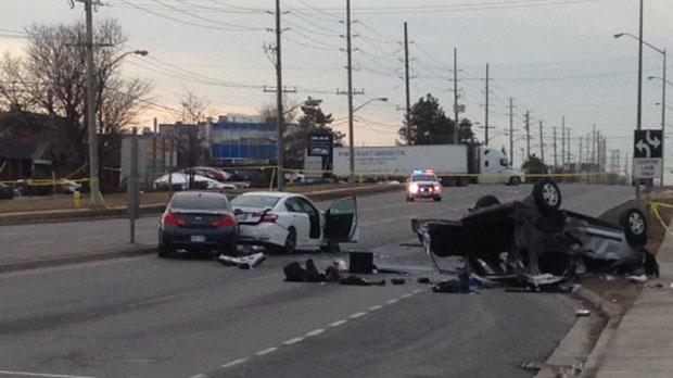 One dies, five injured in three-car crash near Monroe | HeraldNet.com