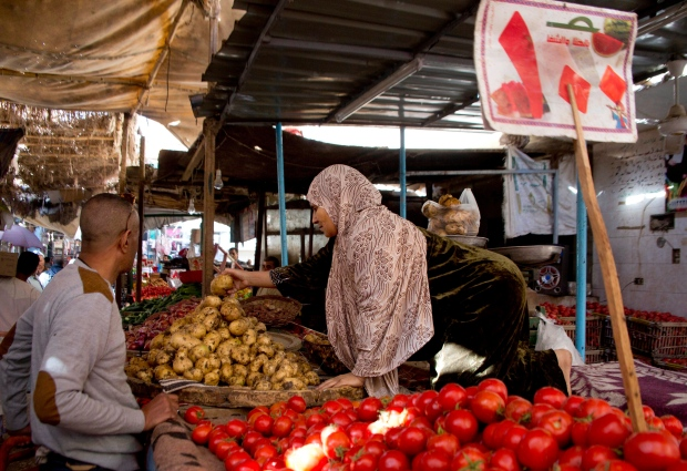 Prices surge as Egypt experiences worst inflation in a ...