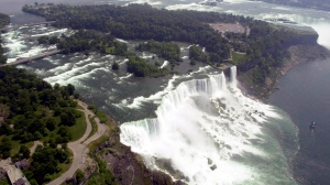 U.S. rebranding of Niagara Falls focuses heavily on nature, inviting tourists to hike, bike, boat, fish and thrill-seek in the outdoors. (David Duprey/The Associated Press)