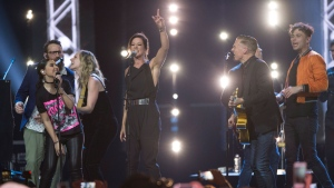 Canadian artists perform 'Summer of '69' with Bryan Adams at the Juno awards show Sunday April 2, 2017 in Ottawa. THE CANADIAN PRESS/Sean Kilpatrick