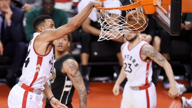 Powell helps Raptors take 3-2 lead over Bucks