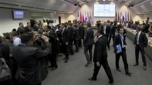 General view of a meeting of oil ministers of the Organization of the Petroleum Exporting countries, OPEC, at their headquarters in Vienna, Austria, Thursday, May 25, 2017. (AP Photo/Ronald Zak)