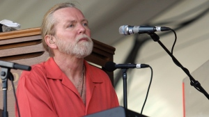 In this Saturday, May 5, 2007 file photo, Gregg Allman of the Allman Brothers performs during the 2007 Jazz and Heritage Festival in New Orleans. On Saturday, May 27, 2017, a publicist said the musician has died. (AP Photo/Dave Martin)
