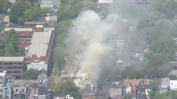 Five-alarm fire rages at Ryu's Noodle Bar restaurant on Baldwin St.