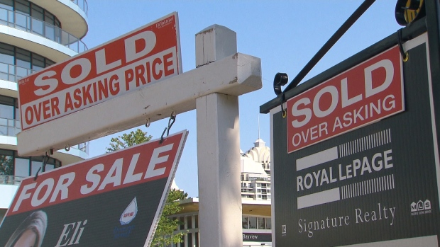 Home sales in Greater Toronto Area plunge 37.3% last month, listings rise