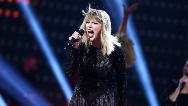 Taylor Swift Tweets Ominous Video Amid 'Timeless' Single Rumours