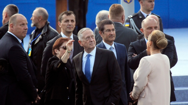 McCain: Mattis' Ukraine Visit Opportunity to Provide Lethal Assistance