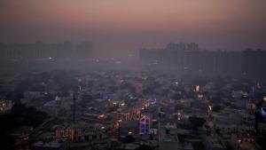 Morning smog envelops the skyline on the outskirts of New Delhi, India, Friday, Oct. 20, 2017. (AP Photo/Altaf Qadri)