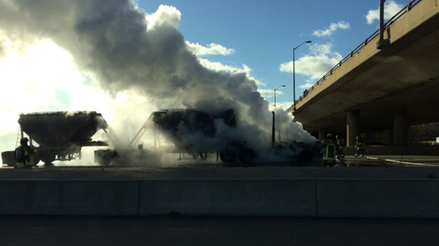 A truck fire on Hwy. 427 caused the express lanes of the highway to shut down on November 10, 2017. (@IanDMorrison/Twitter)