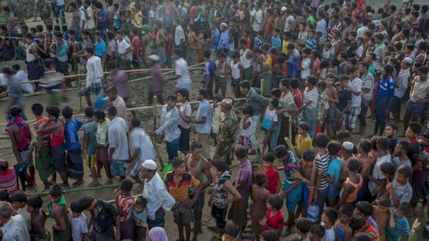 Canadians deliver Myanmar refugee relief