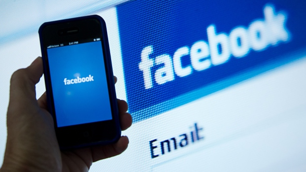 Facebook backs bill on political ads