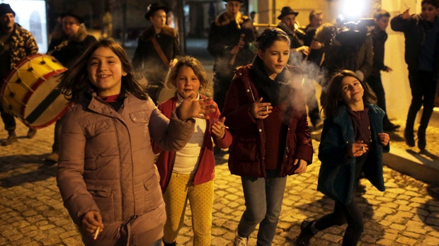 Portugal, kids, smoking