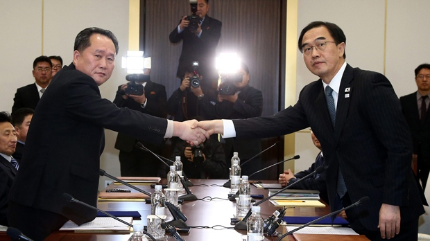 Koreas begin talks on North's performing arts group's Olympic visit