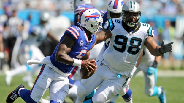 Star Lotulelei signs with Bills