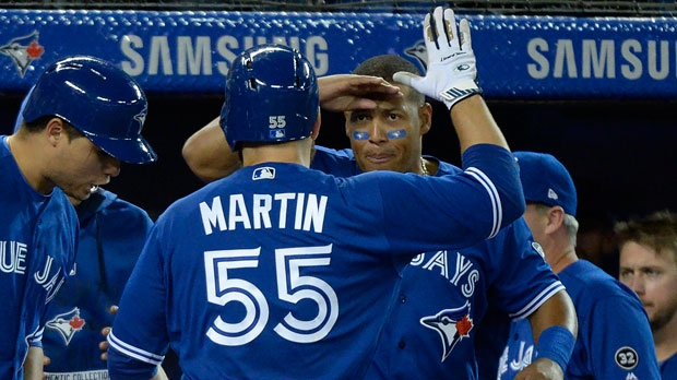 Blue Jays hammer White Sox to win fourth in a row