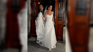 Ben Mulroney and his bride Jessica Brownstein leave St. Patrick's Bascilica in Montreal after their wedding ceremony on October 30, 2008. THE CANADIAN PRESS/Graham Hughes