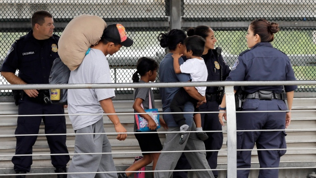 Democratic lawmakers want plan to reunite immigrant families