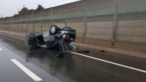 Police are investigating a crash on the QEW in Mississauga on Sunday morning. (OPP Sgt. Kerry Schmidt/ Twitter)