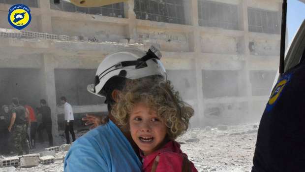 Israel evacuates 800 White Helmets to Jordan in face of Syria advance
