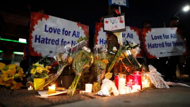 Toronto shooting leaves two dead, including gunman