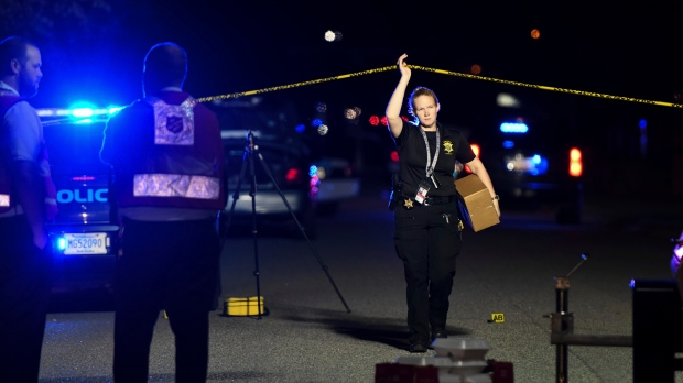 Seven US police shot in deadly stand-off