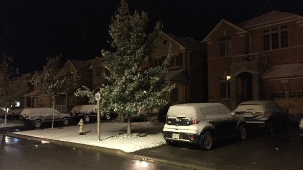 Residents in Schomberg are waking up to snow on Oct. 18, 2018. (Mike Nguyen/ CP24)