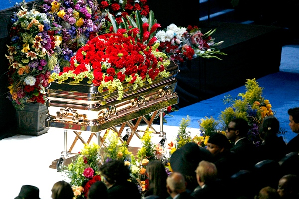 No birthday burial; Michael Jackson's funeral postponed to Sept. 3 ...