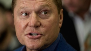 Sports agent Scott Boras responds to a question from the media during Major League Baseball's winter meetings in Oxon Hill, Md., Wednesday, Dec. 7, 2016. (AP Photo/Cliff Owen)