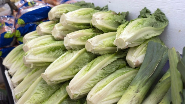 California farm linked to romaine E.coli outbreak recalls cauliflower and lettuce