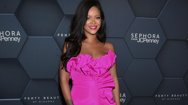 Rihanna sues own father for doing business with their last name, Fenty