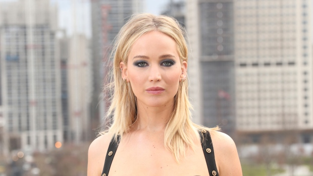 Jennifer Lawrence sparks engagement rumors with 'massive ring'
