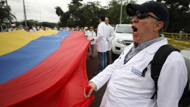 Venezuelan doctors protest