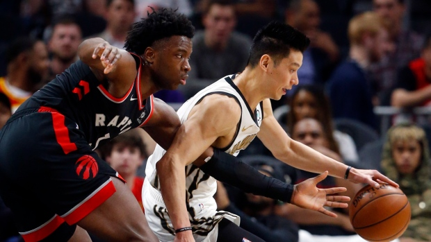 Jeremy Lin headed to Raptors after buyout from Hawks