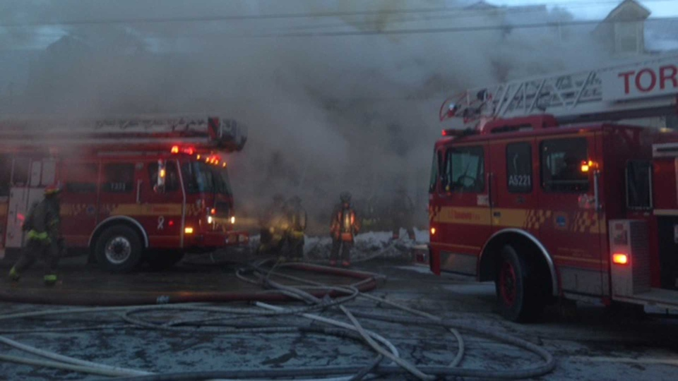 One dead, one in hospital after 5-alarm fire at Bathurst and