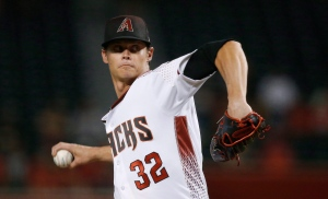 Arizona Diamondbacks starter Clay Buchholz throws a pitch to a Los Angeles Angels batter during the first inning of a baseball game Wednesday, Aug. 22, 2018, in Phoenix. The Toronto Blue Jays have signed free agent RHP Clay Buchholz to a one-year contract (US $3,000,000). THE CANADIAN PRESS/AP, Ross D. Franklin